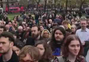 Vigil for Slain Journalist Lyra McKee Held Outside Belfast City Hall [Video]