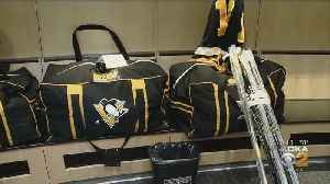 Penguins Clean Out Lockers After Playoffs Loss [Video]