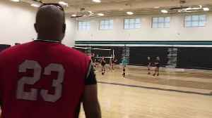 Dad surprises daughter at practice after being overseas for over a year [Video]