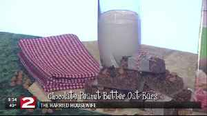 Harried Housewife: Chocolate Peanut Butter Oat Bars [Video]