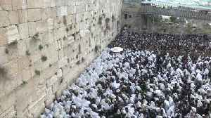 Jews gather for Passover at Jerusalem's Western Wall [Video]