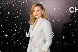 Chloe Grace Moretz opposes age limit for LGBTQ education [Video]