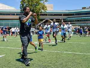 This NFL player is doing his part off the field by helping kids stay healthy and active [Video]
