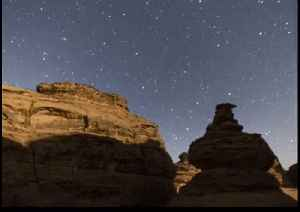 Stunning Timelapse Captures Majestic Moonset in North-Western Saudi Arabia [Video]