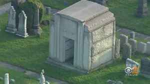 Thieves Steal Mausoleum Doors From Beth Olam Cemetery [Video]