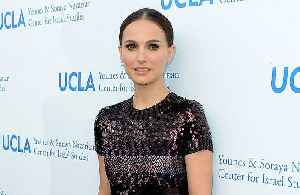 News video: Natalie Portman to narrate Dolphin Reef