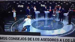 This photo of women cleaning the TV studio before election debate irks social media users | #TheCube [Video]