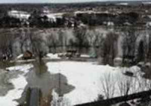 Quebec Town Submerged After Chaudière River Overflows [Video]