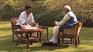 Akshay kumar asks question about PM Modi's beard and dressing style | Oneindia News [Video]