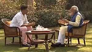 Narendra Modi about childhood game: PM Modi with Akshay Kumar | Oneindia News [Video]