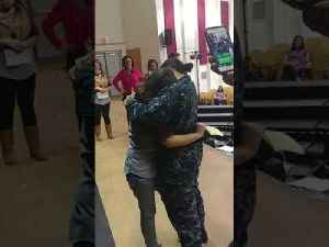 Military Sister Surprises Younger Sister Onstage as She Gets an Award [Video]