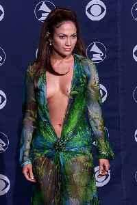 Jennifer Lopez almost didn't wear Versace dress at 2000 Grammy awards [Video]