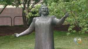Mayor Of Wildwood Wants Statue Of Kate Smith That Was Removed By Flyers [Video]