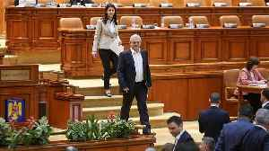 Romanian MPs back controversial bill that could end corruption cases [Video]