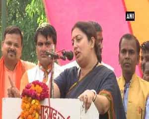Rahul Gandhi hasnt constructed a single toilet in Amethi in last 15 years Smriti Irani [Video]