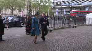 Harry and Kate arrive for Anzac Day service [Video]