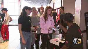 News video: Fans Flock To Theaters In Philadelphia To Watch 'Avengers: Endgame'