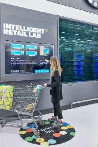 Walmart is testing in-store artificial intelligence with its Intelligent Retail Lab [Video]