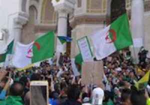 Thousands Rally in Algiers Against Interim President and New Government [Video]