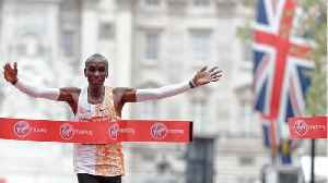 Eliud Kipchoge wins London Marathon again [Video]