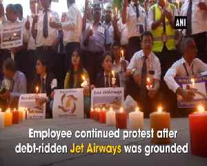 Jet Airways Crisis Employees and their families hold candle light protest at Jantar Mantar [Video]