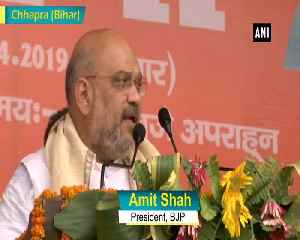 Amit Shah attacks Rahul Gandhi for taking leave every second month [Video]