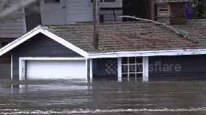Canadian Army deployed to battle rising floodwaters in Ontario's town [Video]