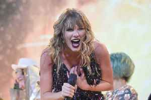 Taylor Swift thinks ME! will help her when she plays it live [Video]