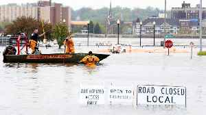 Iowa Floods After Temporary Levees Fail [Video]