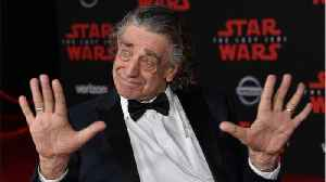 Star Wars Fans Pay Tributes To Actor Peter Mayhew [Video]