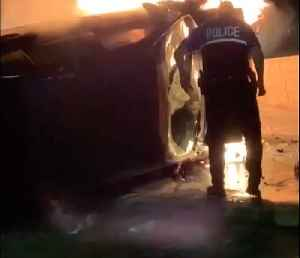Off-Duty Officer Rescues Driver From Burning Car in San Antonio [Video]