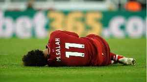 Mo Salah suffers head injury [Video]