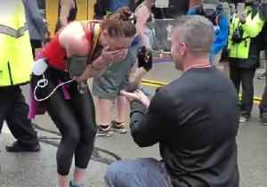 Runner Finishes Pittsburgh Marathon With a Medal and an Engagement Ring [Video]