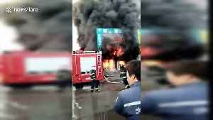 Hero drives crane to save residents trapped in building fire in northern China [Video]
