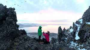 Photographer Proposes To Girlfriend Before Stunning Icelandic Scenery [Video]