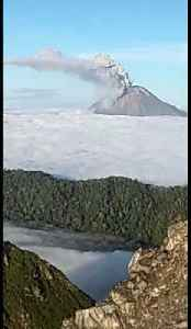 Climbers film eruption of Mount Sinabung in Indonesia [Video]