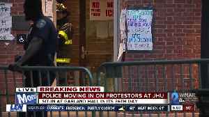 Police moving in on protesters at JHU [Video]