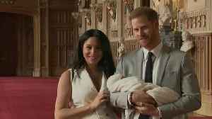News video: A ROYAL BABY DEBUT | The Duke and Duchess of Sussex introduce their baby boy to the world