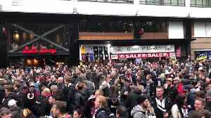 Eintracht Frankfurt Fans Sing Outside Stadium Ahead of Semi-Final Against Chelsea [Video]