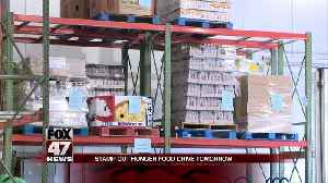 Postal workers stamp out hunger with nation-wide food drive [Video]