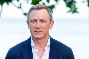 News video: Daniel Craig Is 'Helping to Rewrite Bond 25 Script'