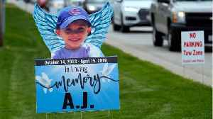 Parents of missing Illinois boy found in shallow grave plead not guilty [Video]