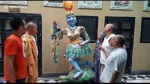 South American artists build statue of Hindu goddess out of 150kg of plastic waste [Video]