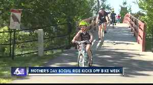 Moms, daughters celebrate Mother's Day on two wheels [Video]
