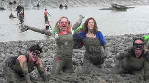 Hundreds of fancy-dress competitors get filthy in the annual Maldon Mud Race [Video]