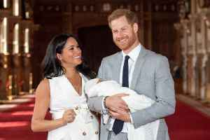News video: Prince Harry and Meghan Markle Pay Tribute to 'All Mothers'