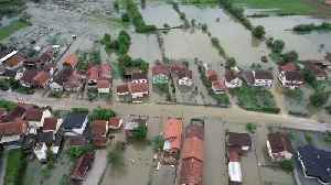 Homes flooded as rivers burst banks in Bosnia [Video]