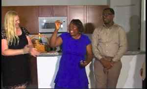 Single mother, teen son get new house from Habitat for Humanity [Video]