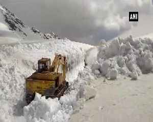 Snow clearing operation in full swing in HPs Lahaul Spiti [Video]
