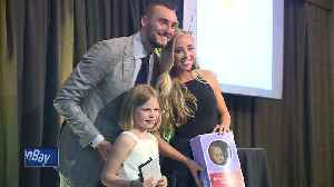 Girl who lost sister to cancer receives special surprise during Gold Ribbon Gala [Video]